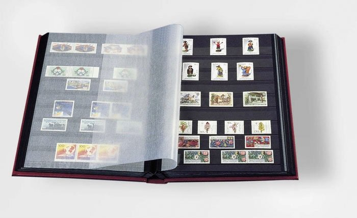 Кляссер (альбом для марок) Leuchtturm (Германия), жёсткая обложка (не ватирована), 32 чёрные страницы